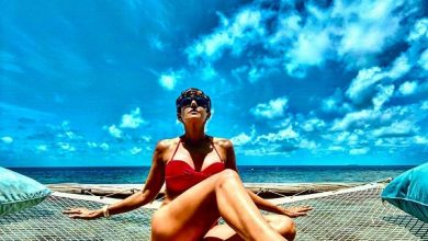 Photo of Mandira Bedi shares a bold picture in a yellow bikini that proves age is just a number!