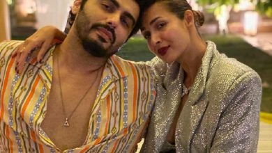 Photo of Malaika Arora's hot pre-yoga session clip is too much to handle for Arjun Kapoor!